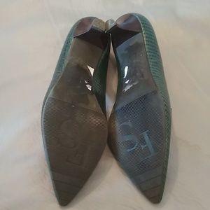 Franco Sarto Shoes - Franco Sarto green pointy toe heels size 7